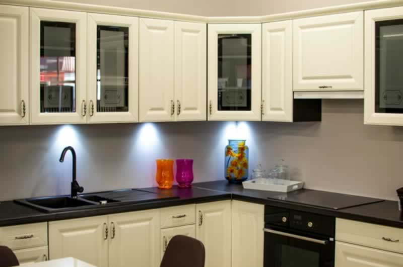 Choose Timeless Kitchen Cabinets