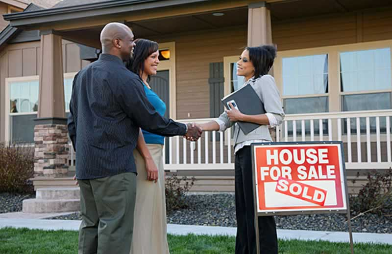 DIY Tips To Help Sell Your Home & Save Money