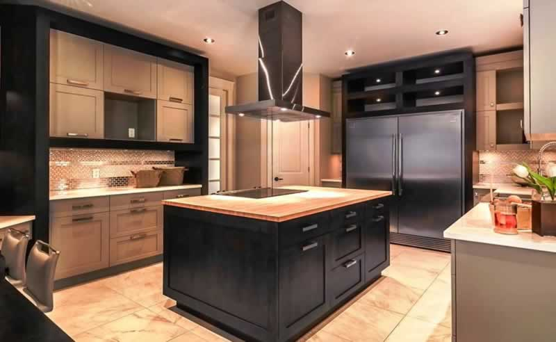 Differences Between a Commercial Kitchen & a Residential Kitchen - residential kitchen