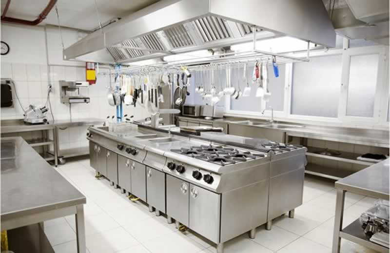 Differences Between a Commercial Kitchen & a Residential Kitchen