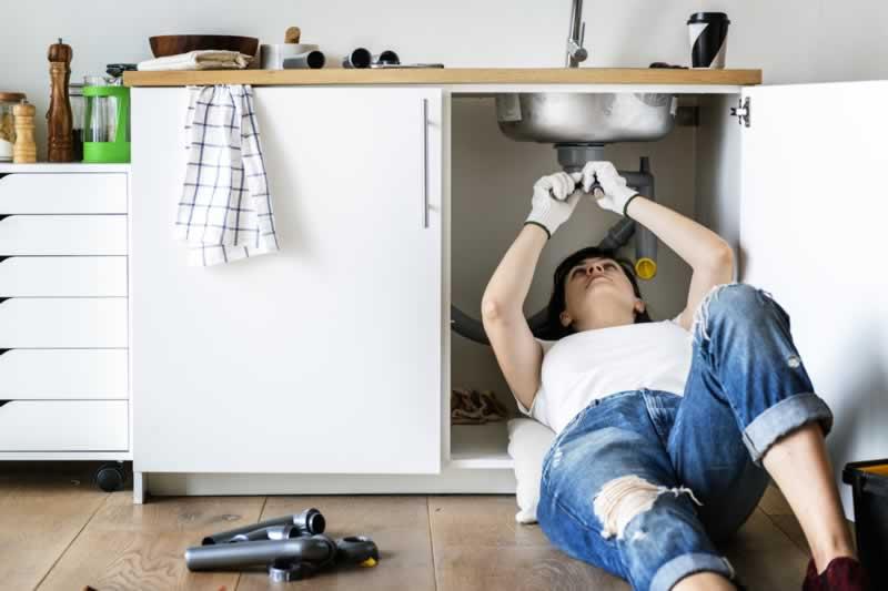 Home Repair Tips & Tricks - fixing sink