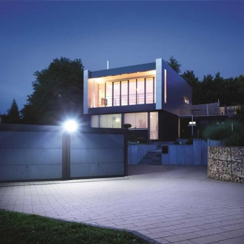 Top 5 Best Outdoor LED Flood Lights - light on the garage