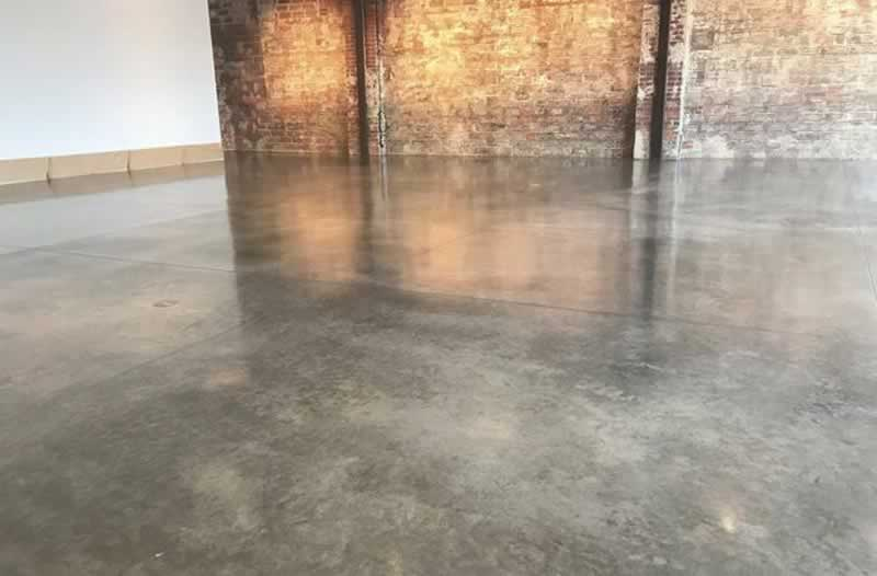 4 Tricks for Spotless Concrete Cleaning