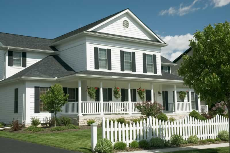 5 Reasons To Hire A Fencing Company - picket fence