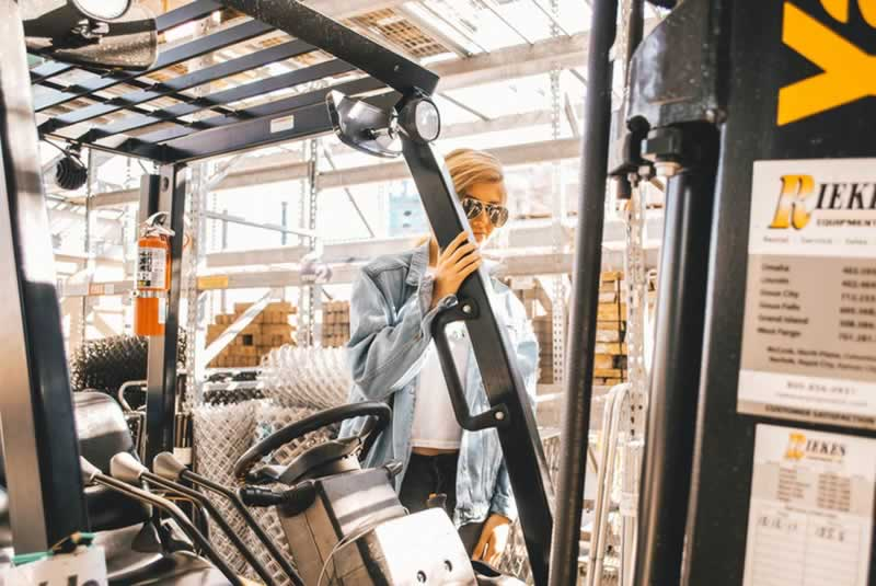 An Expert Guide To Getting The Ideal Equipment For Your Industrial Needs - forklift