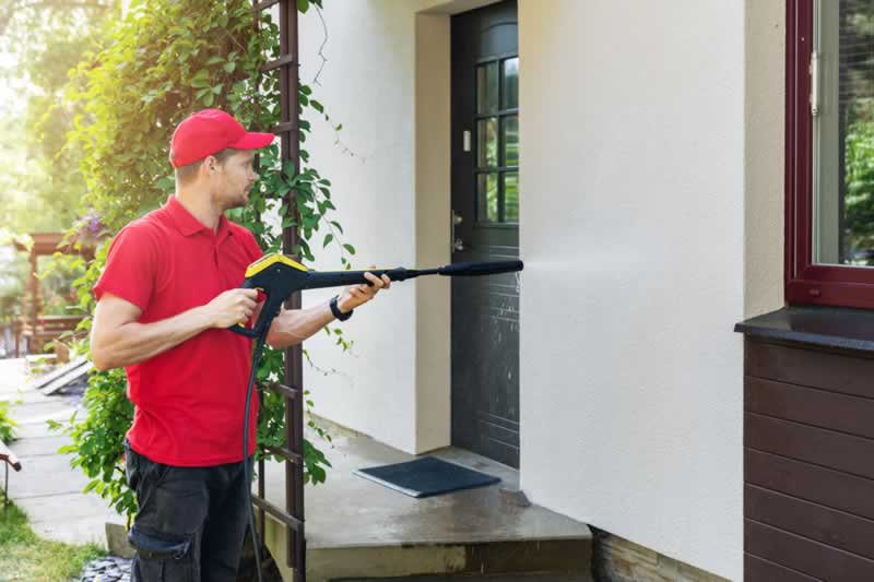 How Long Does It Take to Pressure Wash a House