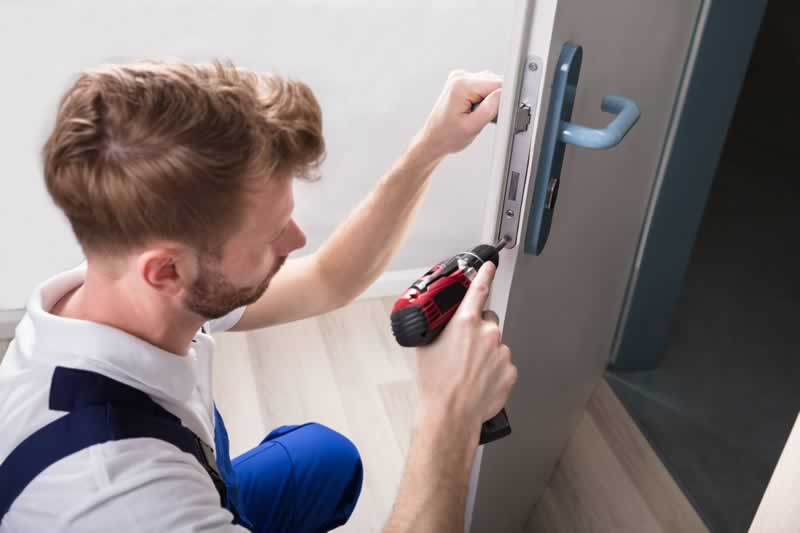 How To Become A Locksmith - locksmith