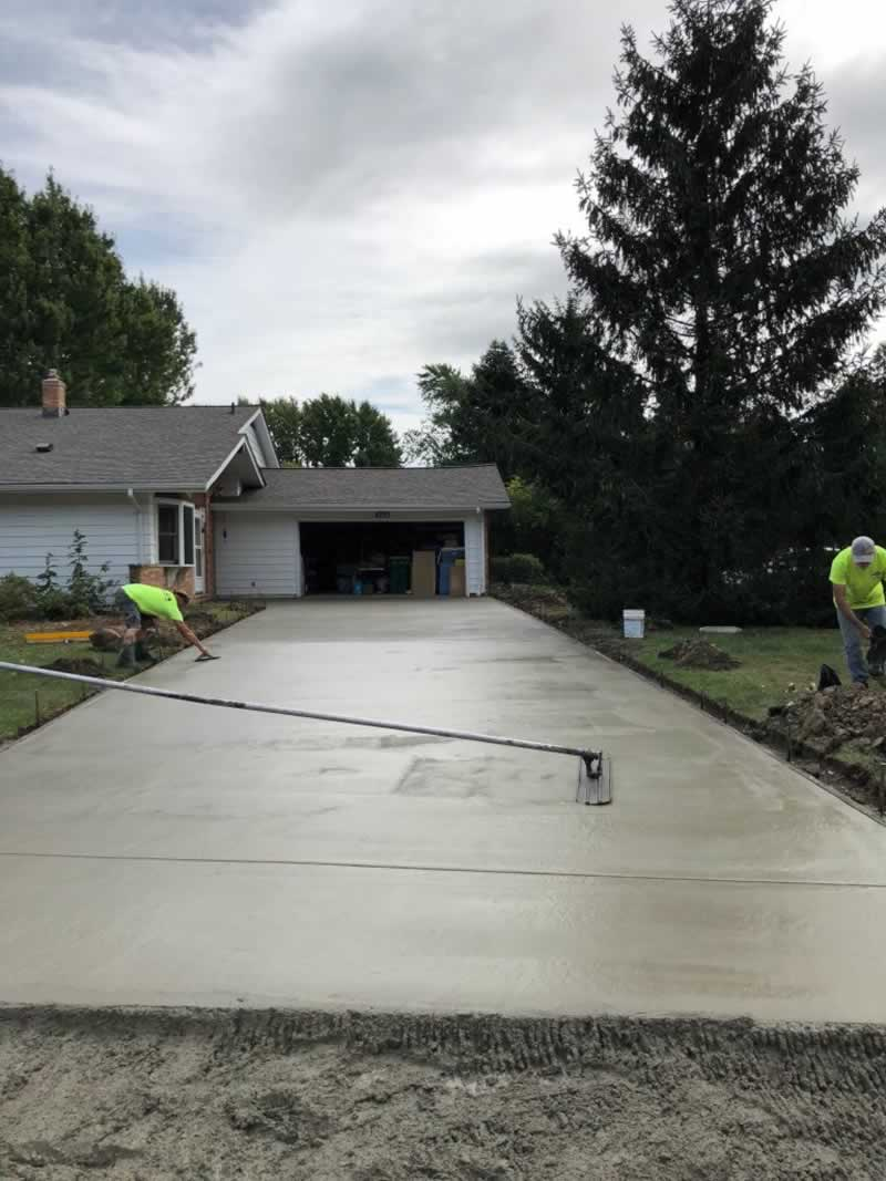 How do I choose a driveway contractor - concrete