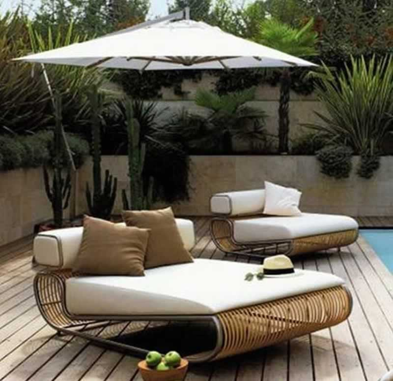 How to Shop for Outdoor Furniture - poolside furniture