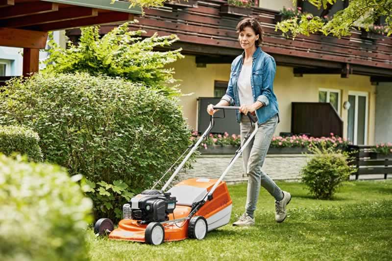 Lawn Mowers 101 - mowing