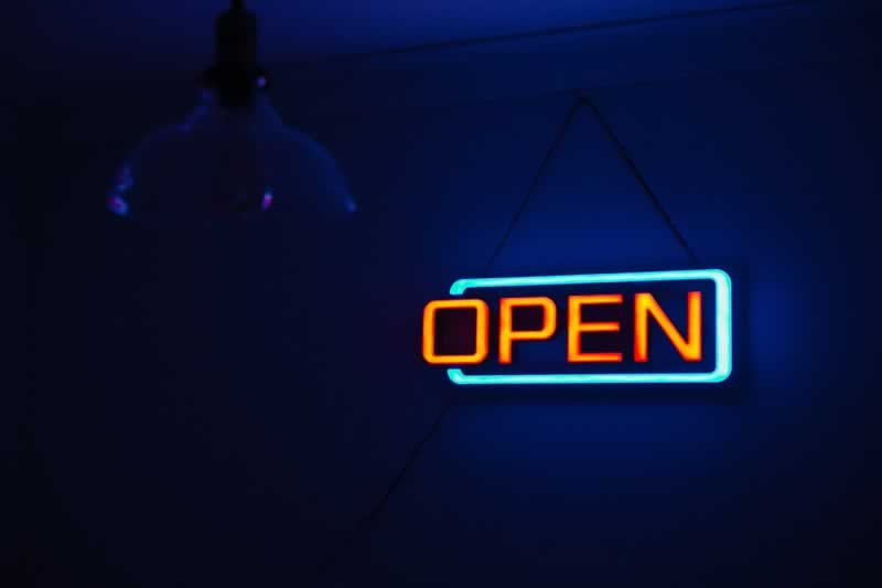 Learning About All The Benefits Of Having A Neon Sign For Your Business - open sign