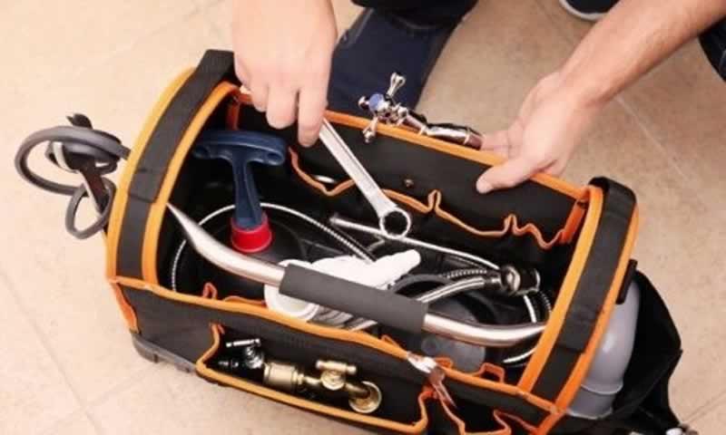 Plumbing Tool Bag Setup - setting up bag
