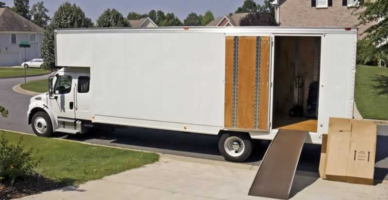 Simple Steps To Move Out and In Without Stress - moving truck