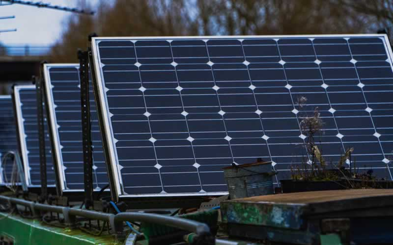 3 Reasons Why Renewable Energy Sources Are the Future of Energy - solar panels
