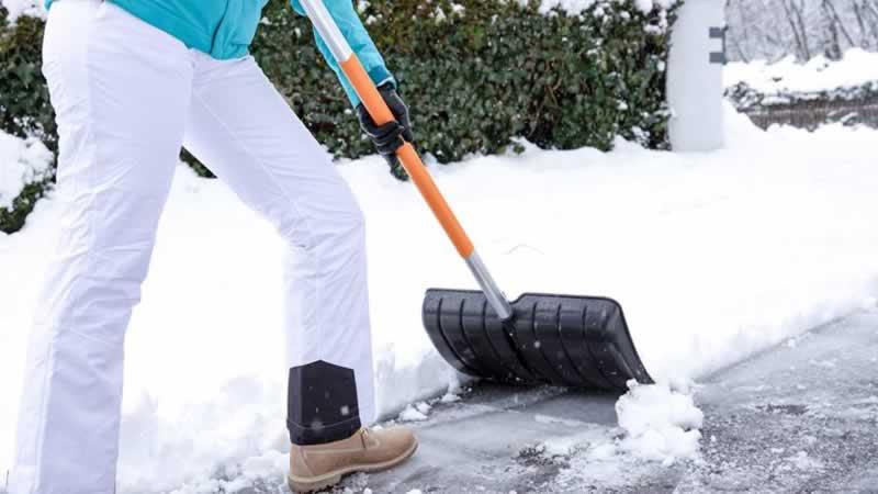 3 Tips For Choosing The Best Snow Shovel For You