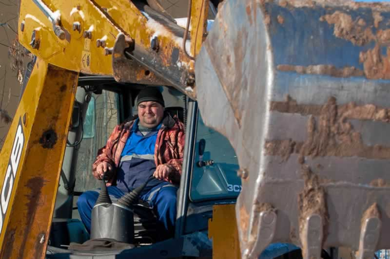 4 Facts You Didn't Know About People Who Do Street Repairs - escavator