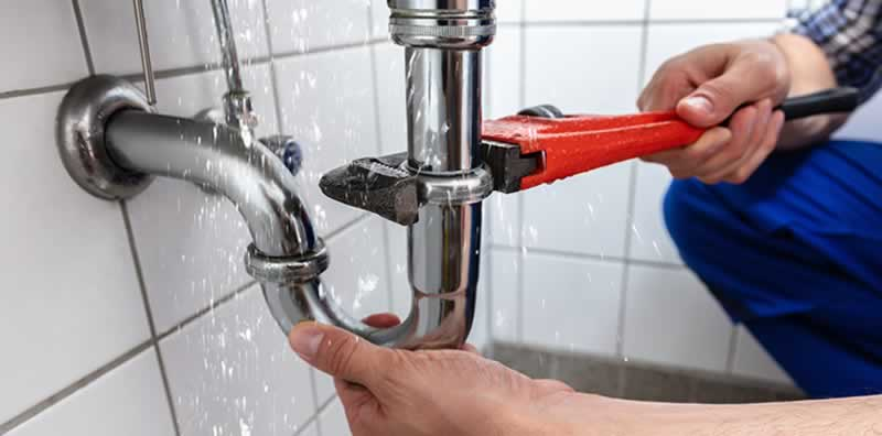 7 Ideas For How To Find Plumbing Leaks - fixing leak