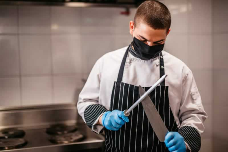 How To Pick A Chef's Knife