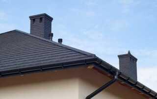 Should You Go For Lighter or Darker Roof Colors - dark roof