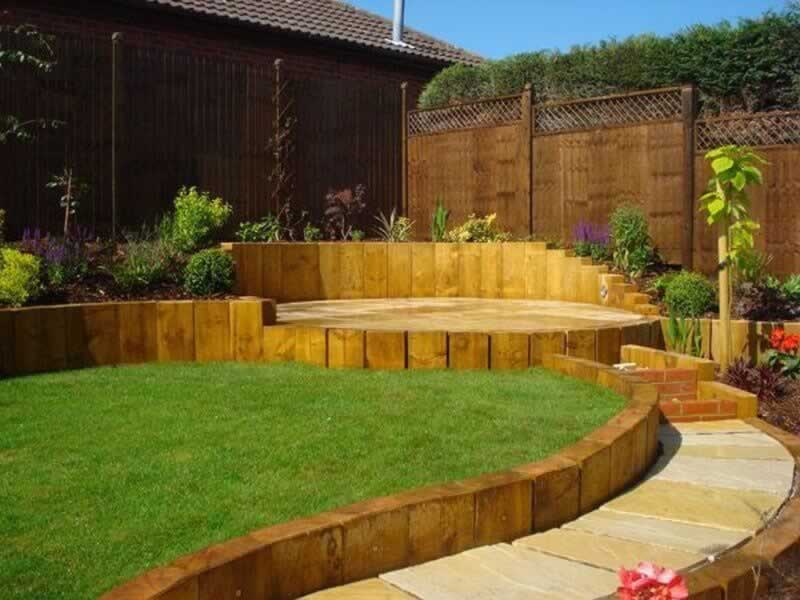 The Benefits of Wood in Landscaping