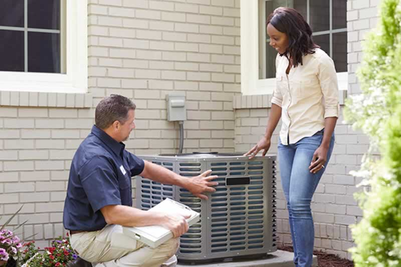 The Essential Guide to Hiring an Air Conditioner Repair Company - repairman