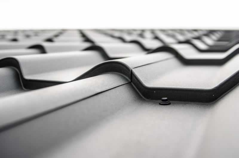 The Pros and Cons of Getting a Metal Roof