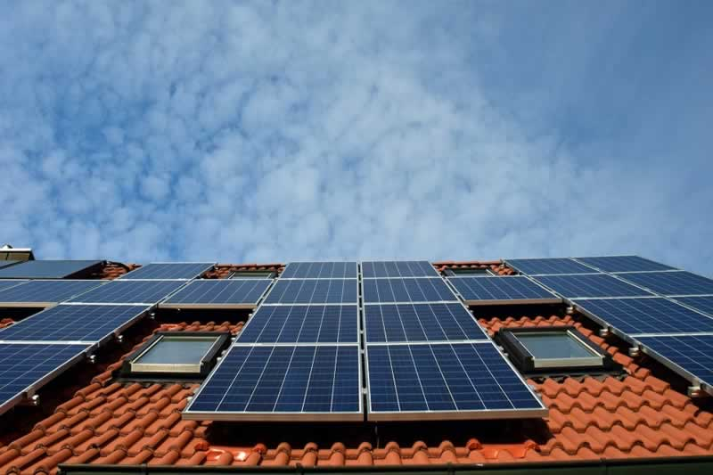 What Are the Benefits of Solar Power to Business