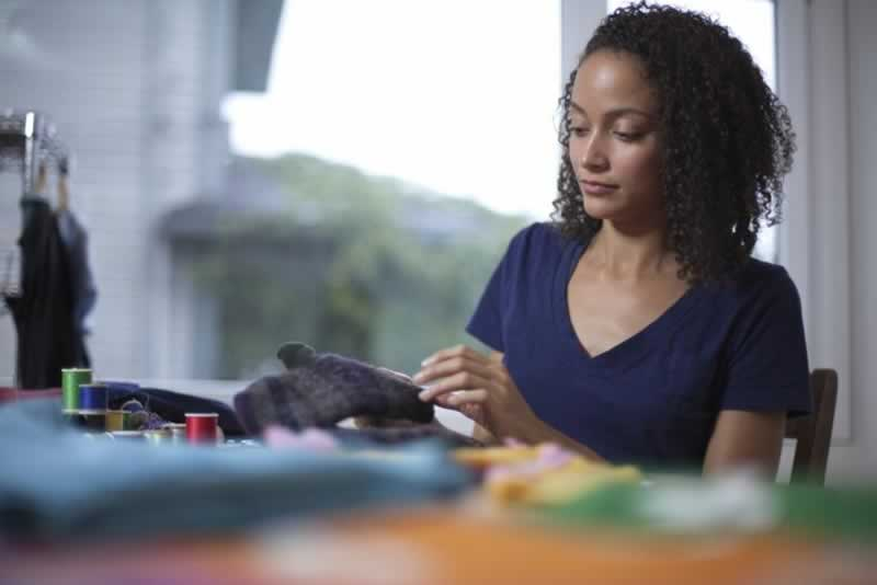 5 Ways DIY Projects Can Improve Mental Health - crafting