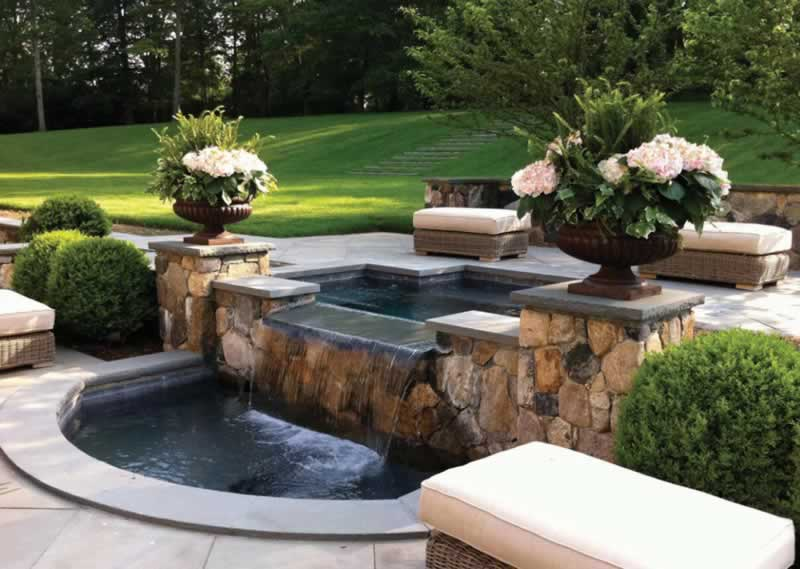 6 Basic Steps To Keep Your Outdoor Fountain Water Clean