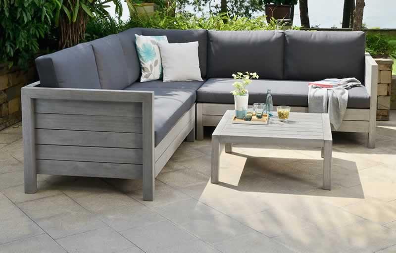 Best Practices When Selecting Your Outdoor Sofa Set - outdoor sofa