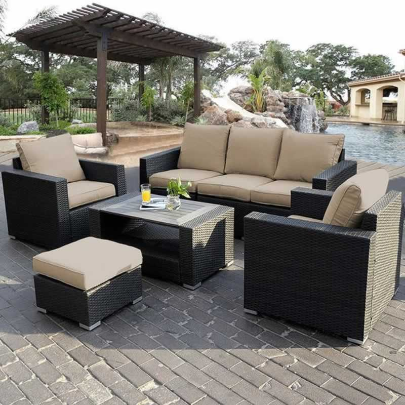 Best Practices When Selecting Your Outdoor Sofa Set