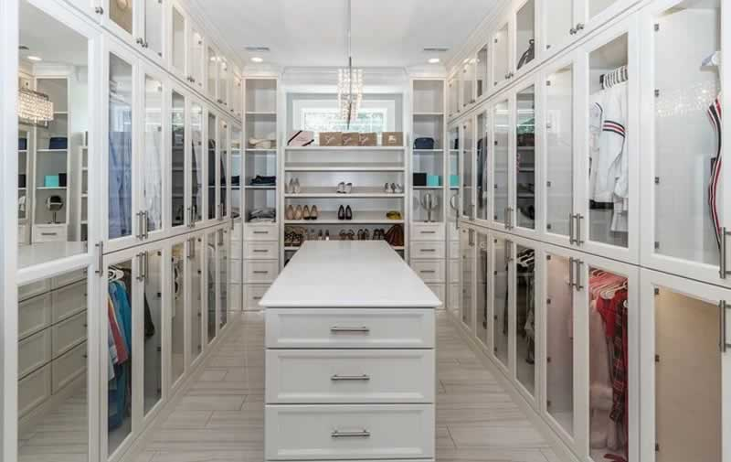 Design Your Reach-In Closet With These Tips From The Pros - closet