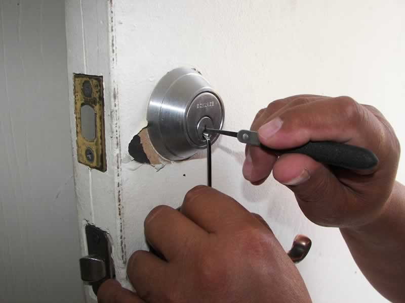 How to fix all the locks in your home easily - fixing lock