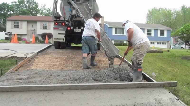 How to Pour a Concrete Driveway