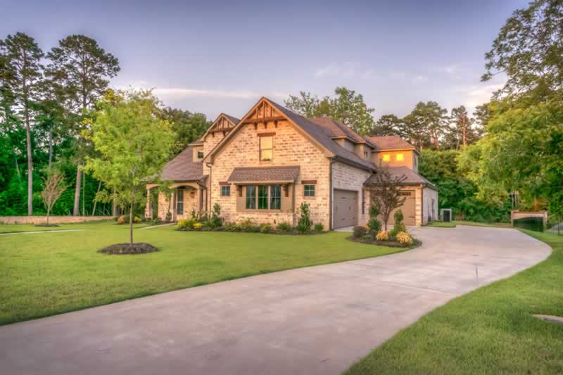 Important Factors To Consider When Building A New Driveway On Your Property