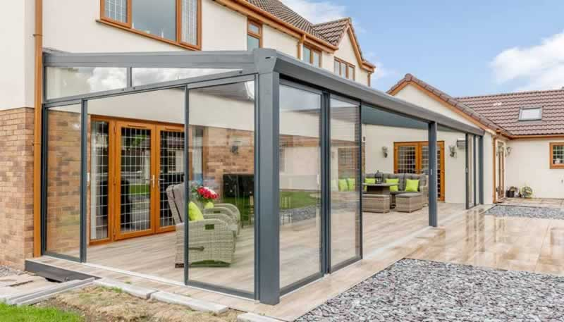 Tips for Keeping a Hot Sunroom Cool In the Summer
