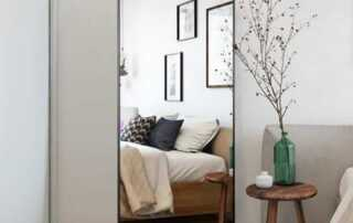 Tips for using a mirror as an interior's element - floor mirror