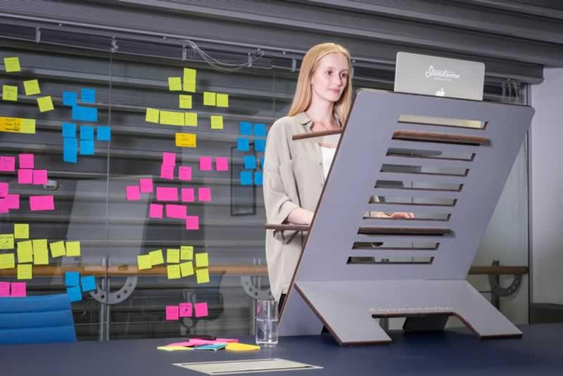 Understanding The Tremendous Benefits Of Using A Standing Desk - standing desk
