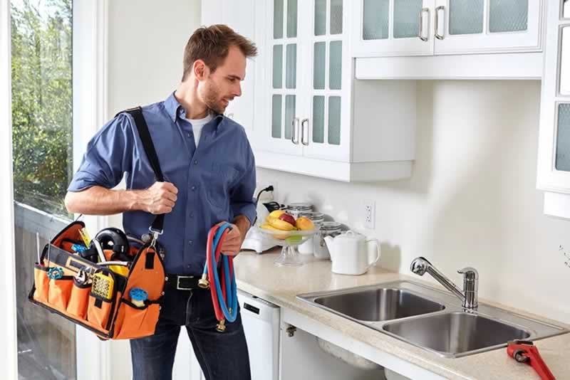 Difference Between Hiring for a Domestic and Commercial Plumbing Services - plumber