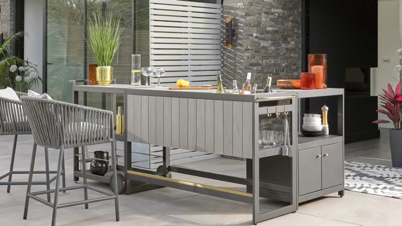 HOW A CUSTOMISED ALFRESCO CAN TRANSFORM YOUR OUTDOOR SPACE - bar