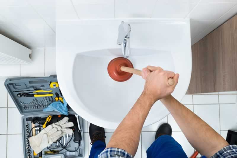 How to Clear a Blocked Drain from a Nowra Plumber - plunger