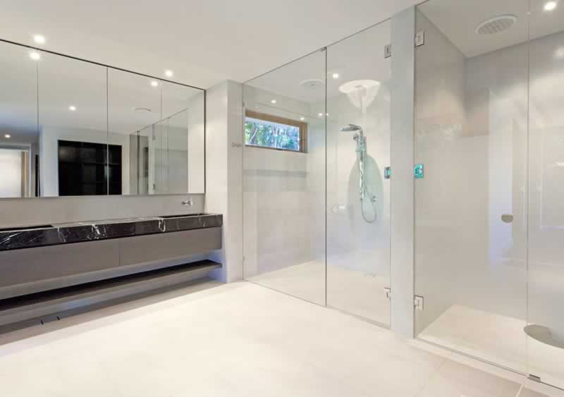 How to choose the right shower screens for your bathroom - sliding screen