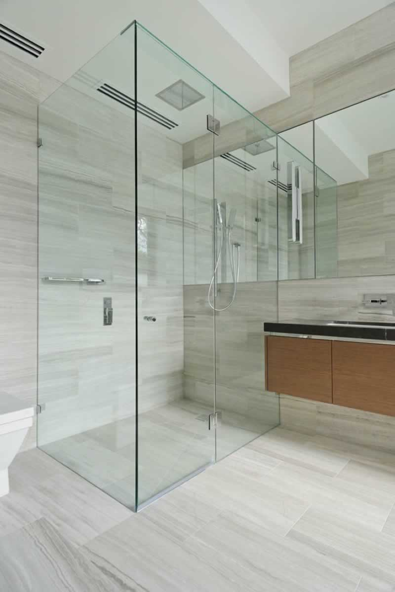 How to choose the right shower screens for your bathroom
