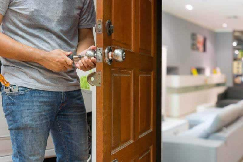Tips To Spot On The Best Locksmith Company To Hire