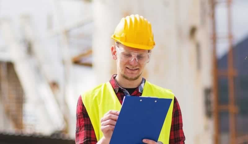Why Every Handyman Should Use Invoicing Software - handyman