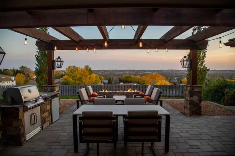 4 Advantages Of Adding Patio Shades To Your Outdoor Space