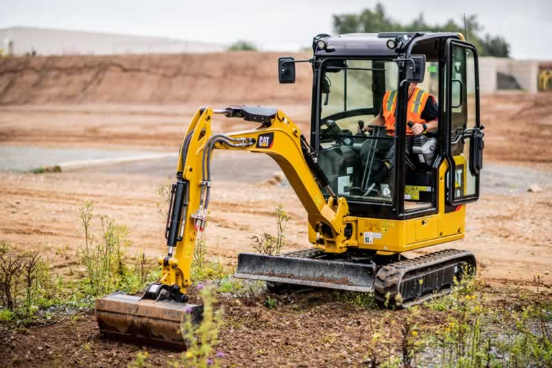 A Beginner's Guide to Maintain and Operate an Excavator - mini excavator