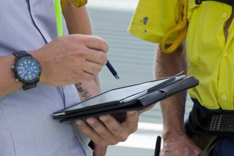 Apps That all Tradies Should be Using to Enhance Productivity - using app