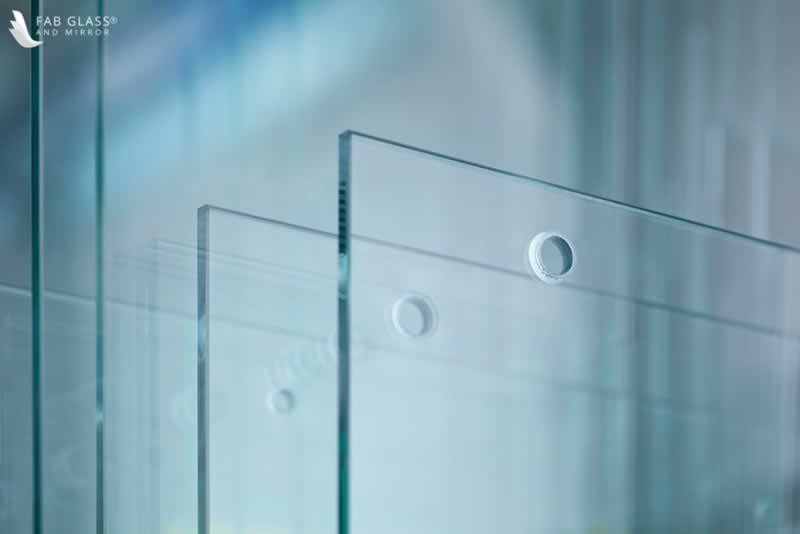 DIY Crafts to Install Glass Shelves for Glamorous Home Décor - glass cutting