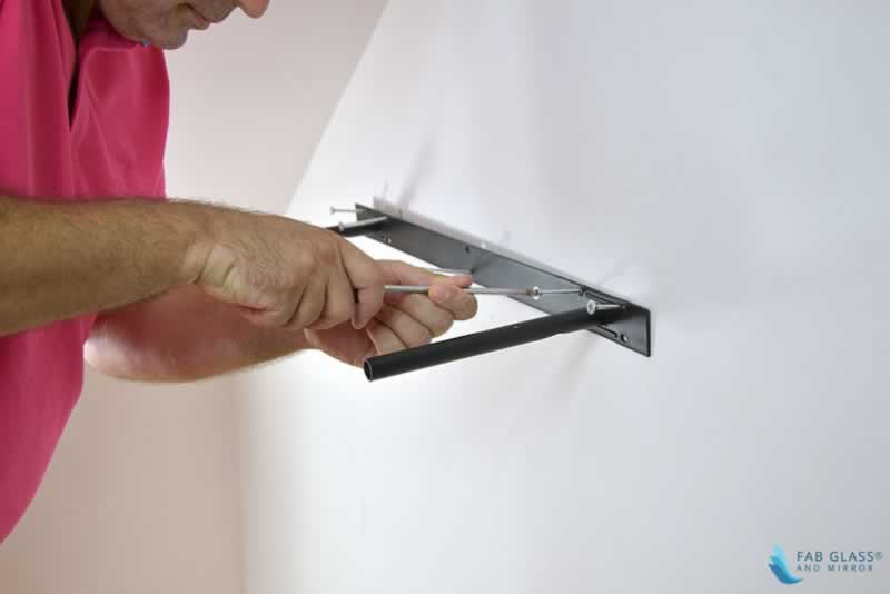 DIY Crafts to Install Glass Shelves for Glamorous Home Décor - plan
